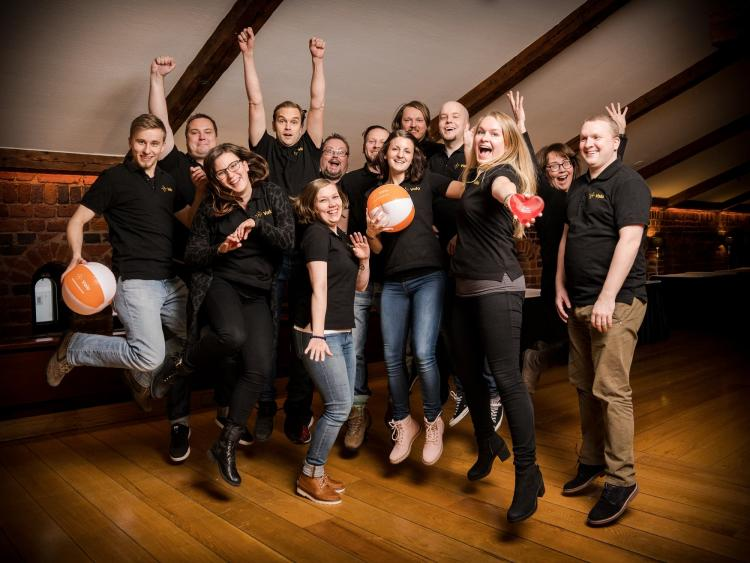 Valo Intranet team jump
